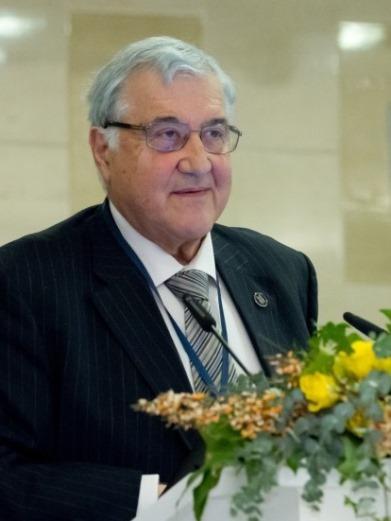 Умберто Солимене